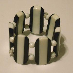 Vintage black and white elastic bracelet